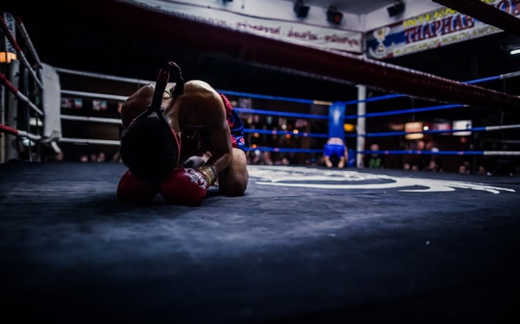 boxing-ring-before-fighting-laczy-nas-pasja